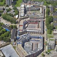 Woningbouw door corporaties in Delftwijk.
