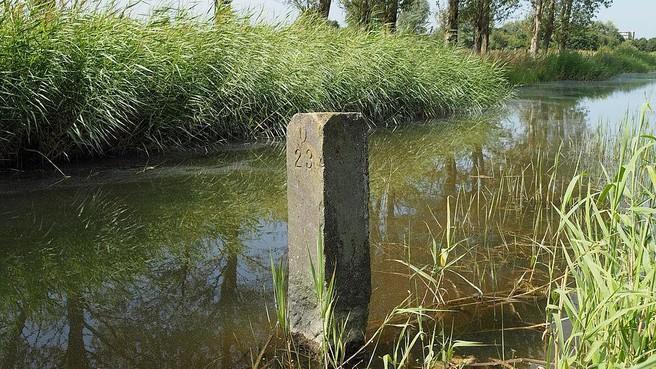 Verdronken paaltjes van Fort Veldhuis in ere hersteld