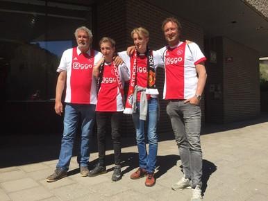 Opa, zoon en kleinzoons uit Beverwijk naar hun eerste finale [video]