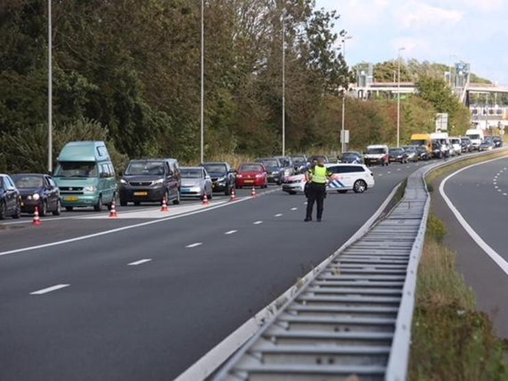 Twee doden, drie zwaargewonden bij ernstig ongeval in Halfweg [video]