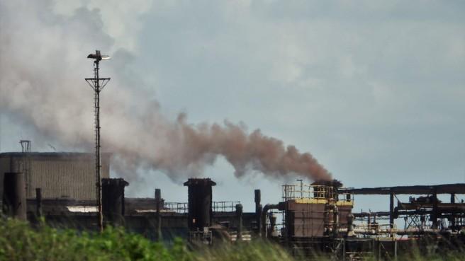 Opinie:Tata Steel verpakt vieze fabrieken met een milieustrik, maar Wijk aan Zee tuint er niet meer in