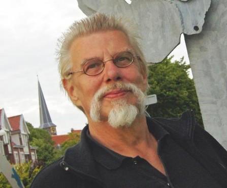 Schrijver, tekenaar en markant taaldocent Rien Bonte overleden