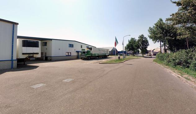 Familie in 'illegale' woning op bedrijventerrein Schelphorst in Wieringerwerf krijgt steun van alle buren