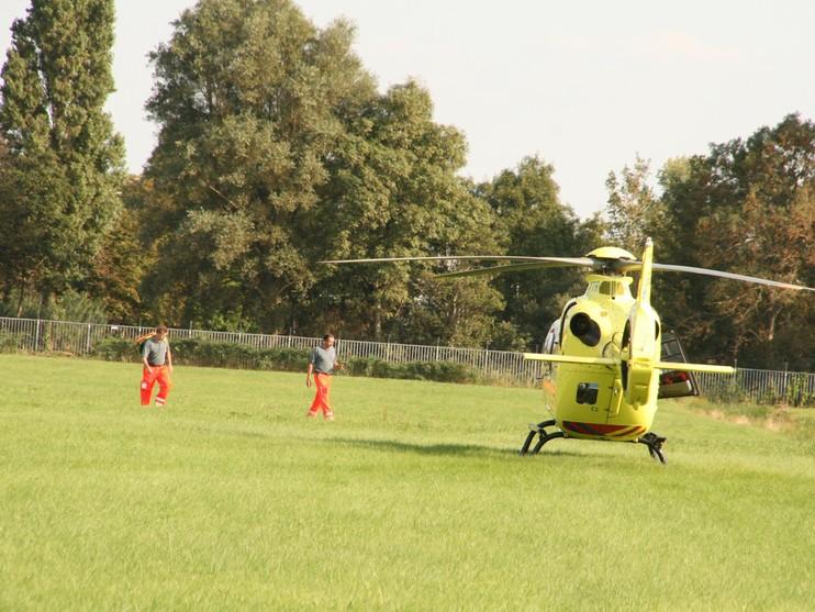Persoon raakt gewond door trap van paard in Voorhout