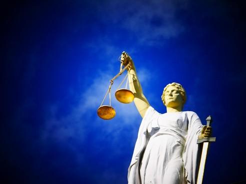 OM: IJmuidenaar stuurde dreigmails, maar hoeft niet te worden gestraft