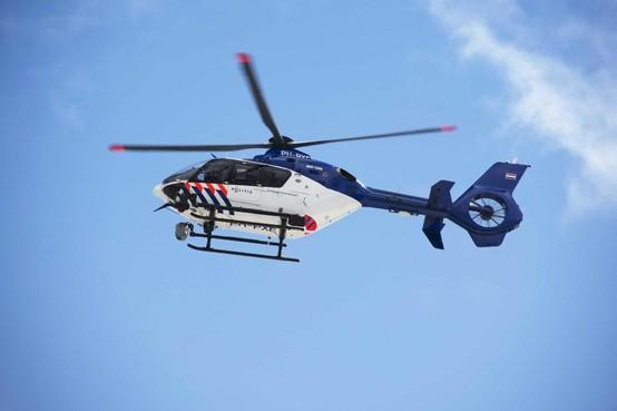 Politiehelikopter assisteert bij aanhouding jonge vandalen in Opmeer