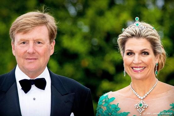 Koningspaar bekijkt cultuurschat Ierland