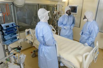 Toestand zieke tropenarts in LUMC stabiel, zorg voor tientallen mensen rond de arts