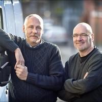 Theo Panneman en Hans de Graaf hebben vier jaar geknokt voor 'hun' bus.