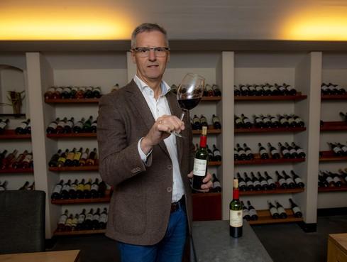 Henk Bart, tussen wijnboer en restaurateur