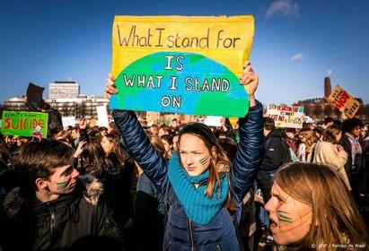 Klimaatspijbelaars praten met premier Rutte