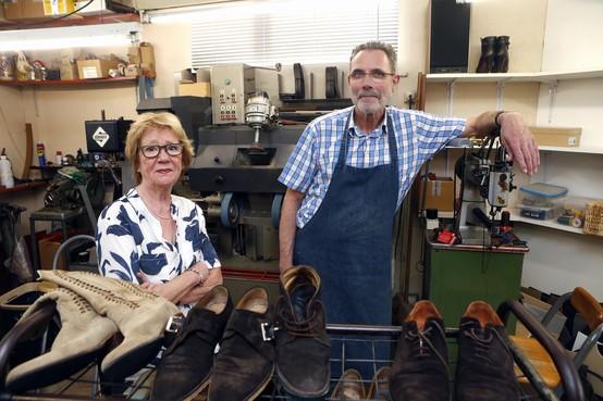 Schoenmakerij Iking stopt na 100 jaar: 'Sneakers zijn onze grootste vijand'