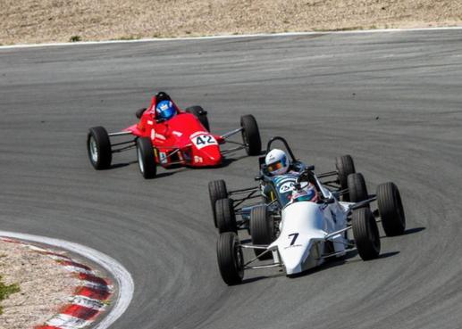 Pinksterraces op Zandvoort: Autosport in zijn puurste vorm [video]