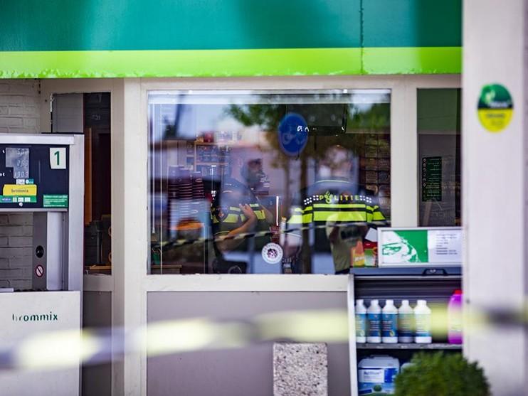 Tankstation in Haarlem overvallen, dader vlucht op scooter