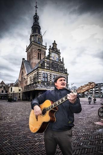 De zingende stadsgids van Alkmaar [video]