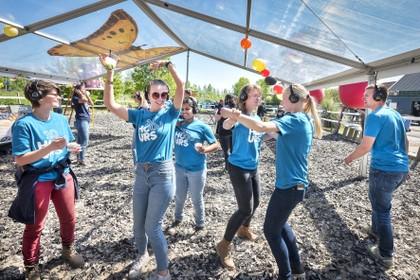 'Silent disco' in Hoofddorpse paardenbak: MiniMysteryland
