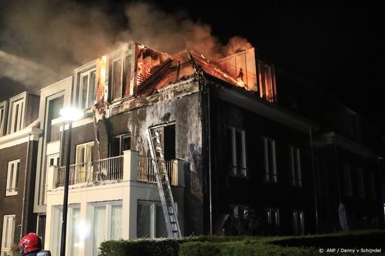 Drie gewonden bij brand wooncomplex Liessel