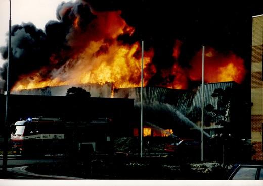 Terugblikken op de grote brand in Zaandam van april 1994: 'Achteraf kun je stellen: we hebben óók geluk gehad'