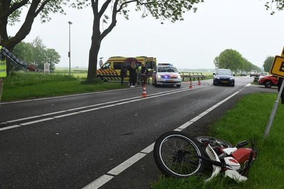 Brommerrijder gewond bij botsing in Nieuwkoop