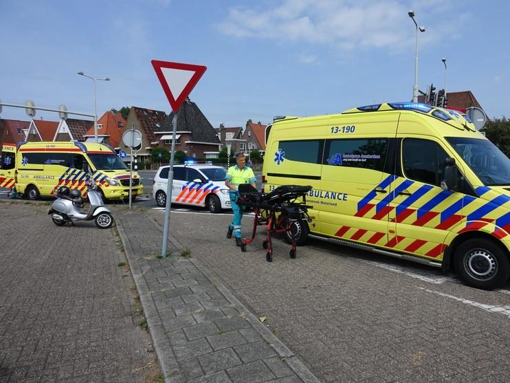 Drie gewonden bij botsing tussen twee scooters Krommenie