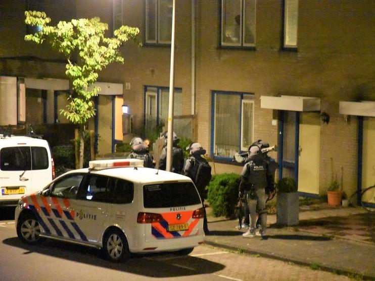 Arrestatieteam doet inval in woning Wassenaar