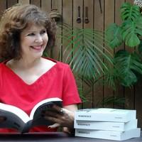 Beeftink (57) is trots op haar eerste roman.