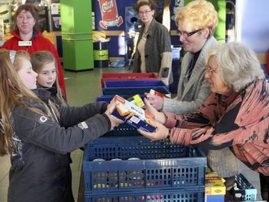 66 kratten voor voedselbank Heemskerk