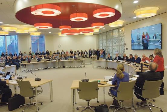 Forse kritiek op Heemskerk: manege Schimmelkroft ziet verhuisplannen bijna in rook opgaan