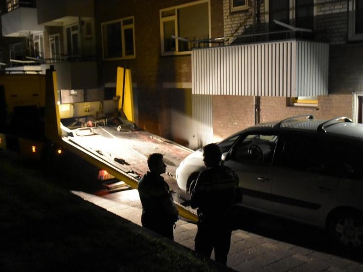 Vluchtende verdachte laat auto en oliespoor achter [update]