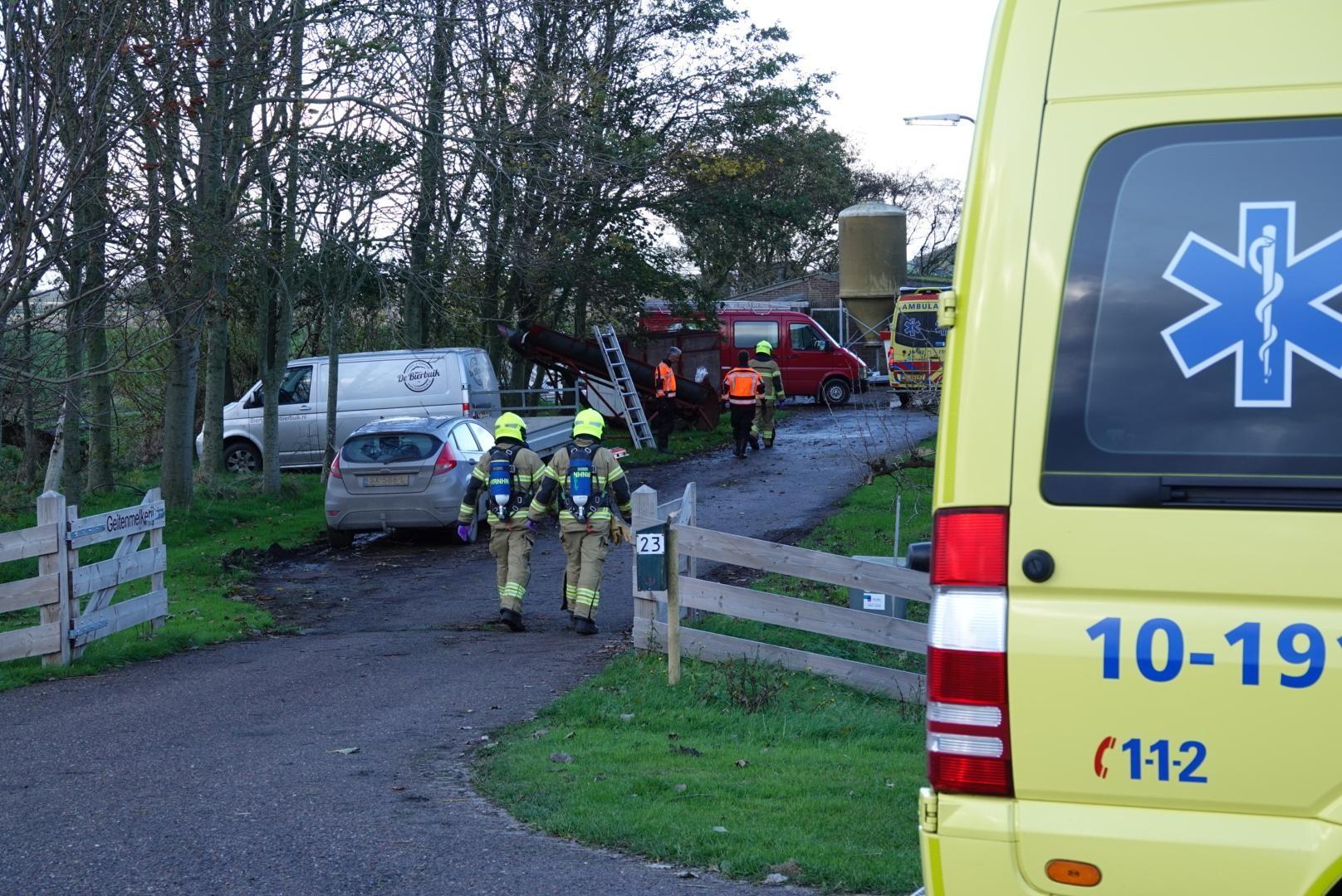 Man gewond bij werkzaamheden in melkstal Schagerbrug - Noordhollands Dagblad
