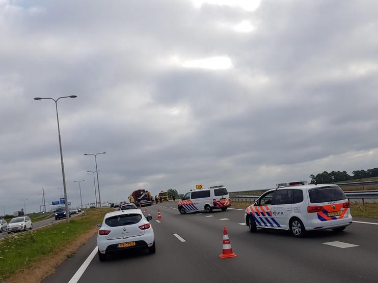 Oponthoud op N242 Alkmaar door botsing vrachtwagens