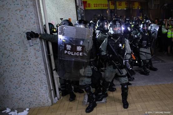 Politie Hongkong houdt parlementariërs aan