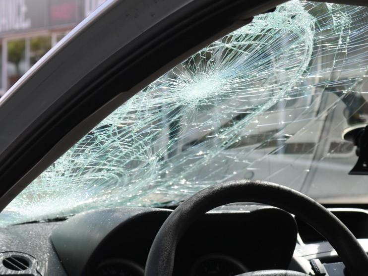 Fietster gewond na botsing met auto in Katwijk