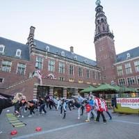 Schaatstraining op het Stadhuisplein.