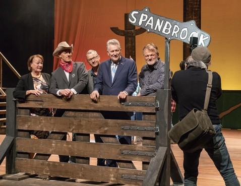 Dirk Scheringa bij première in Alkmaars theater van 'zijn' musical 'Dikkie de kid'