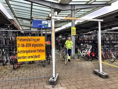 Fietsenstalling station Naarden-Bussum maandag pas dicht; fietsen worden verplaatst