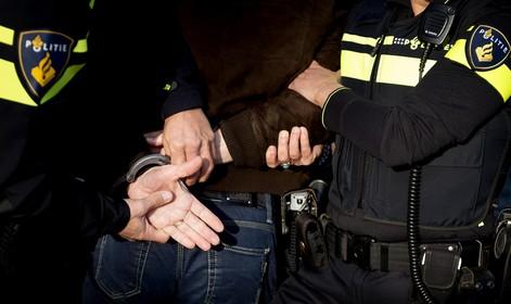 Jongen na achtervolging aangehouden na poging straatroof in IJmuiden