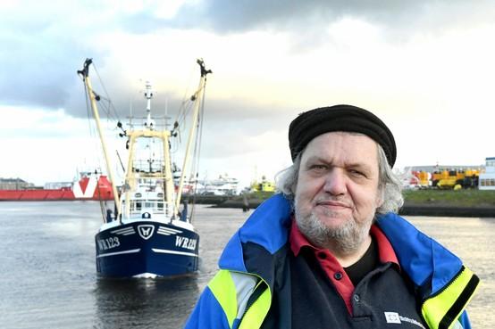 Over dronken Denen en een dildo bij de vis; na 51 jaar op de visafslag houdt het op voor Bertus