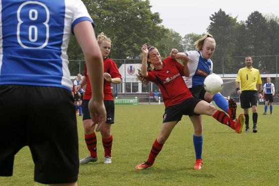 Feest voor dames van Winkel uitgesteld na nederlaag tegen De Kennemers