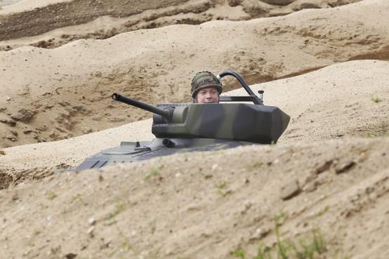 Minister opent 'Als de Russen komen' in Nationaal Militair Museum