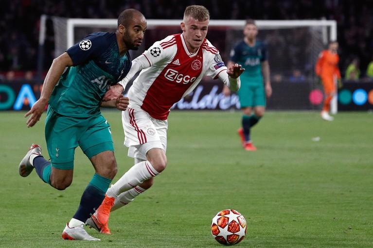 Ajax verspeelt riante kans op finale [video]