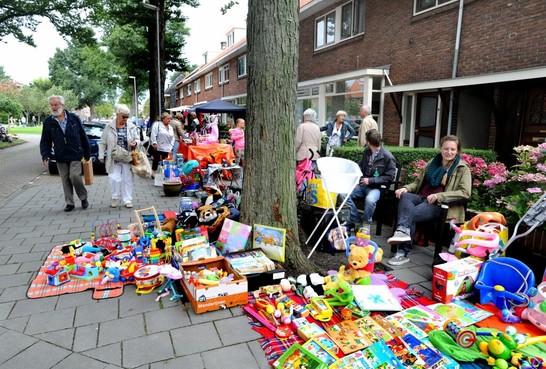 Feest van de rommel in de Vogelwijk