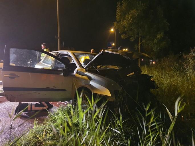 Grote ravage op Nieuwe Schermerweg in Alkmaar na botsing