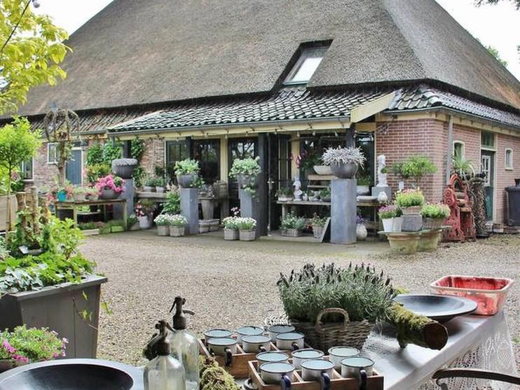 Stolp in Nieuwe Niedorp als bloembinderij.