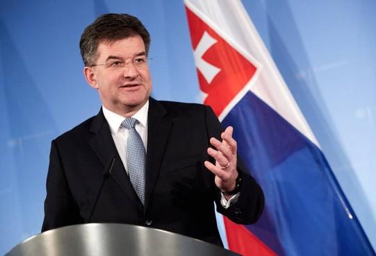 Slowaakse buitenlandminister blijft aan