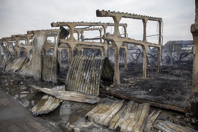 Ravage na verwoestende brand Halfweg