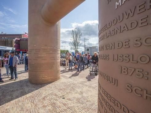 Bolderkunst bij station Den Helder: 'grens bij beschadigen'