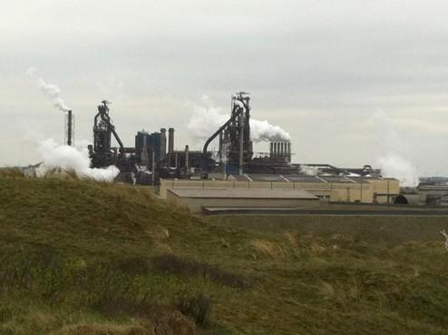 Wijk aan Zee schrikt zich wild van RIVM-rapport over gezondheidsschade door grafietregens [video]