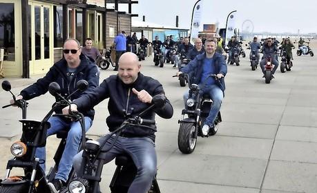 E-choppers op Stationsplein Haarlem: Initiatief voor verhuur elektrische vervoermiddelen