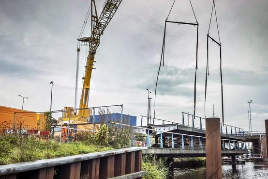 Gevoel en cijfers over Leeghwaterbrug in Alkmaar verschillen: 'Fileleed door vervloekte brug vallen mee'